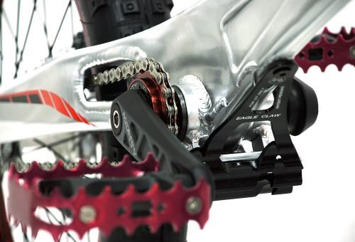bicicleta-trial-221K-nordic-monty-pedalier