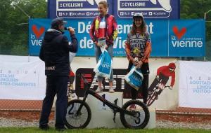 Manon Basseville en lo más alto del podio